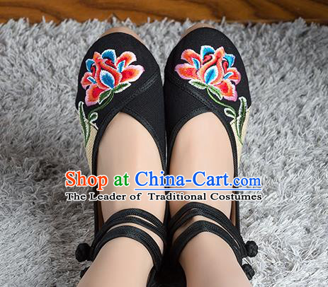 Traditional Chinese Shoes, China Handmade Linen Embroidered Peony Flowers Black High-heeled Shoes, Ancient Princess Cloth Shoes for Women