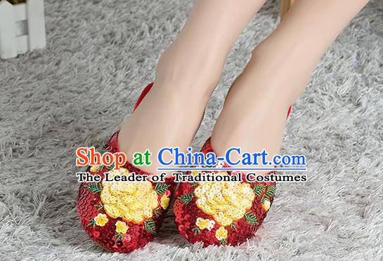 Traditional Chinese Shoes, China Handmade Linen Embroidered Beads Sequins Flowers Red Slippers, Ancient Princess Satin Cloth Shoes for Women