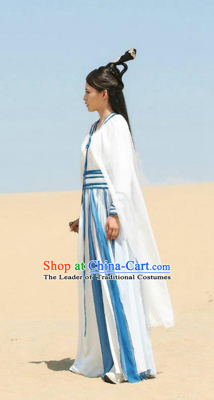 Traditional Ancient Chinese Swordswoman Costume, Chinese Ming Dynasty Chivalrous Woman Dress, Cosplay Chinese Television Drama Vagabondize Heroine Hanfu Trailing Embroidery Clothing for Women