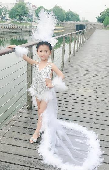Top Grade Compere Professional Performance Catwalks Swimsuit Costume, Children Chorus Ostrich Feather Bikini Modern Dance Modern Fancywork Clothing for Girls Kids