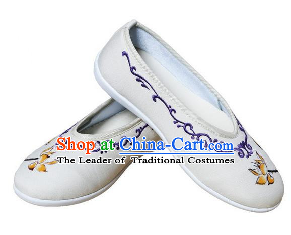 Top Chinese Traditional Tai Chi Embroidered Lotus Linen Shoes Kung Fu Pulian Shoes Martial Arts Beige Shoes for Women