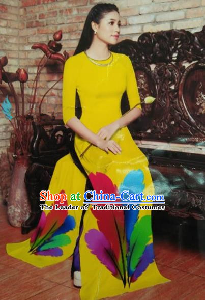 Traditional dress 1793 yellow