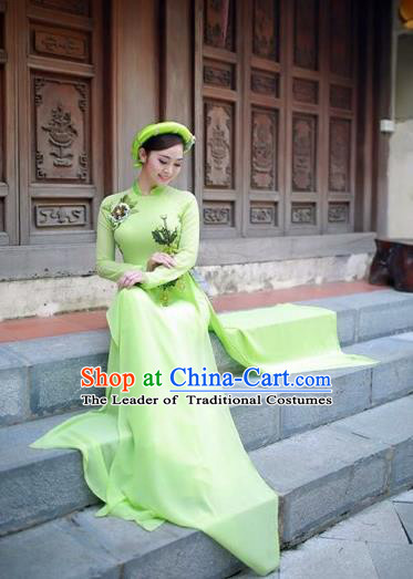 Traditional Top Grade Asian Vietnamese Costumes Classical Full Dress, Vietnam National Ao Dai Dress Catwalks Debutante Green Qipao for Women