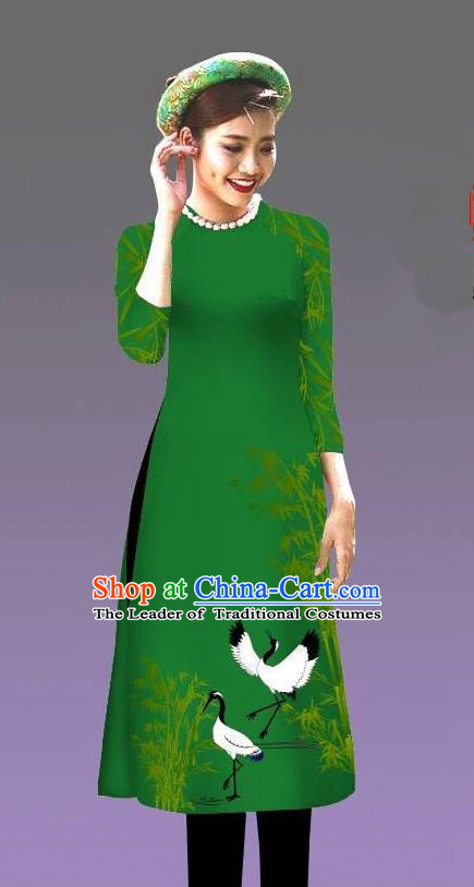 Top Grade Asian Vietnamese Costumes Classical Jing Nationality Crane Pattern Short Cheongsam, Vietnam National Clothing Bride Traditional Green Ao Dai Dress