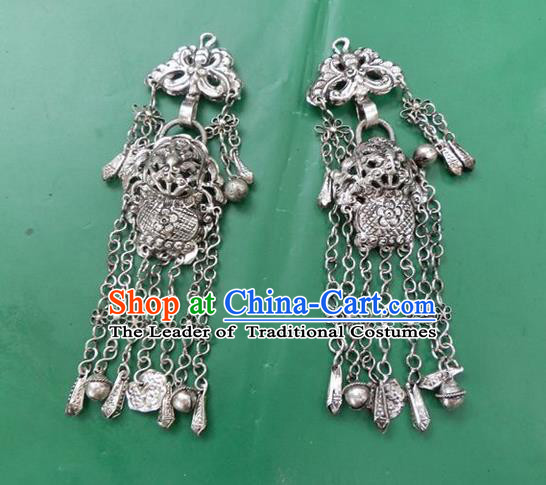 Traditional Chinese Ancient Classical Handmade Miao Silver Accessories Hanfu Tassel Pendant for Women