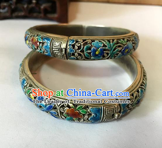 Traditional Chinese Miao Nationality Accessories Bracelet, Hmong Female Ethnic Pure Sliver Blueing Sculpture Bangle for Women