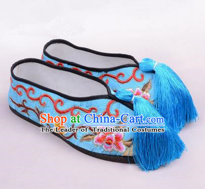 Chinese Ancient Peking Opera Young Lady Embroidered Hua Tan Shoes, Traditional China Beijing Opera Female Blue Embroidered Shoes
