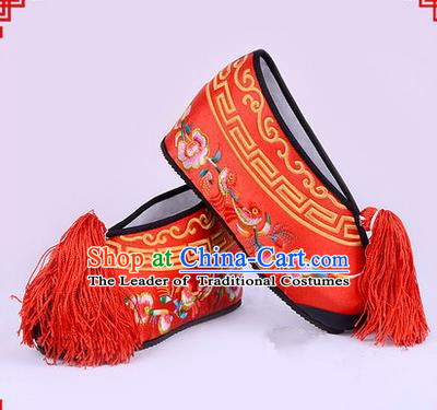 Chinese Ancient Peking Opera Young Lady Bride Embroidered Flowers Hua Tan Shoes, Traditional China Beijing Opera Princess Wedding Red Embroidered Increase Shoes