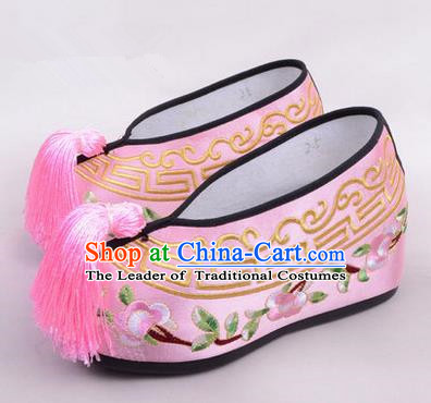 Chinese Ancient Peking Opera Young Lady Embroidered Hua Tan Shoes, Traditional China Beijing Opera Princess Wedding Pink Embroidered Shoes