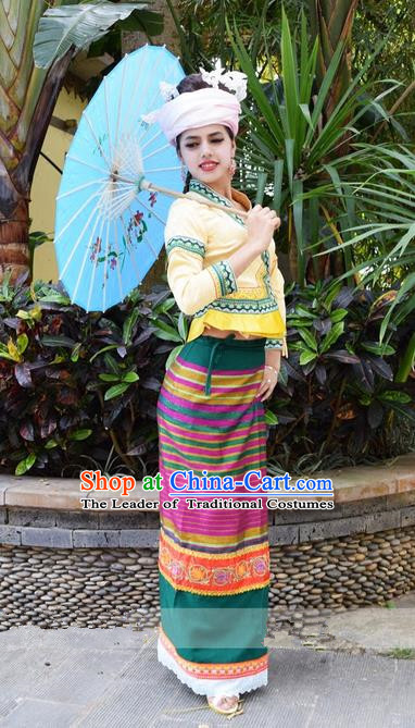Traditional Traditional Thailand Female Clothing, Southeast Asia Thai Ancient Costumes Dai Nationality Wedding Bride Yellow Sari Dress for Women