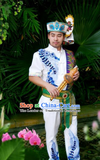 Traditional Traditional Thailand Male Clothing, Southeast Asia Thai Ancient Costumes Dai Nationality Embroidery Shirt and Pants Complete Set for Men