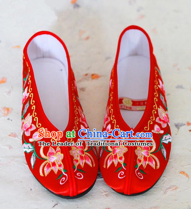 Traditional Chinese Wedding Shoes Xiuhe Red Shoes, Ancient Chinese Bride Embroidered Lotus Cloth Shoes for Women