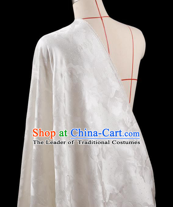 Traditional Asian Chinese Handmade Embroidery Leaf Jacquard Weave Coat Silk Tapestry White Fabric Drapery, Top Grade Nanjing Brocade Ancient Costume Cheongsam Cloth Material