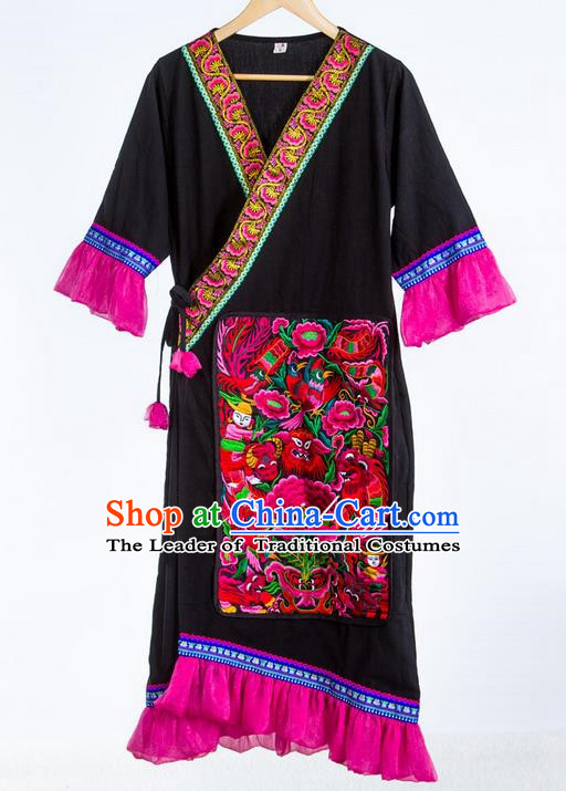 Traditional Chinese National Costume Coat, Elegant Hanfu China Miao Nationality Embroidered Black Cardigan for Women