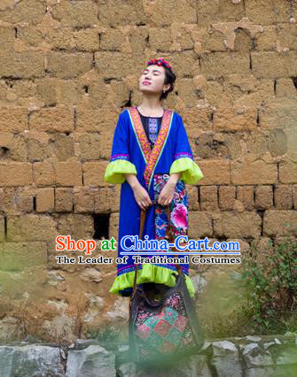 Traditional Chinese National Costume Coat, Elegant Hanfu China Miao Nationality Embroidered Blue Cardigan for Women