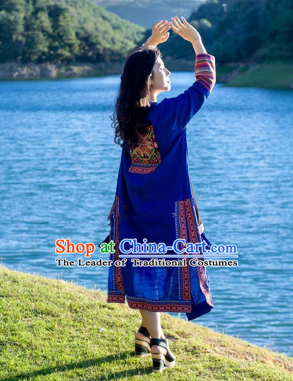 Traditional Chinese National Costume Long Dust Coat, Elegant Hanfu Embroidered Blue Cardigan for Women