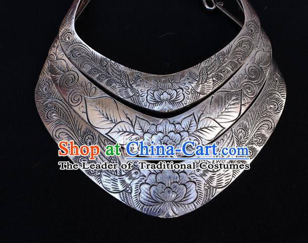 Traditional Handmade Chinese National Miao Nationality Sliver Necklace Exaggerate Collar for Women