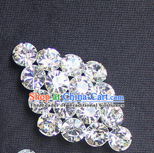 Traditional China Beijing Opera Young Lady Jewelry Accessories Collar Brooch, Ancient Chinese Peking Opera Hua Tan Diva Crystal Rhombus Breastpin