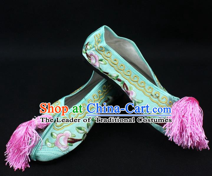 Traditional China Beijing Opera Hua Tan Embroidered Light Green Shoes, Ancient Chinese Peking Opera Young Lady Diva Princess Blood Stained Shoes