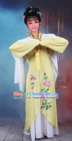Traditional China Beijing Opera Young Lady Hua Tan Costume Princess Yellow Embroidered Cape, Ancient Chinese Peking Opera Diva Embroidery Dress Clothing