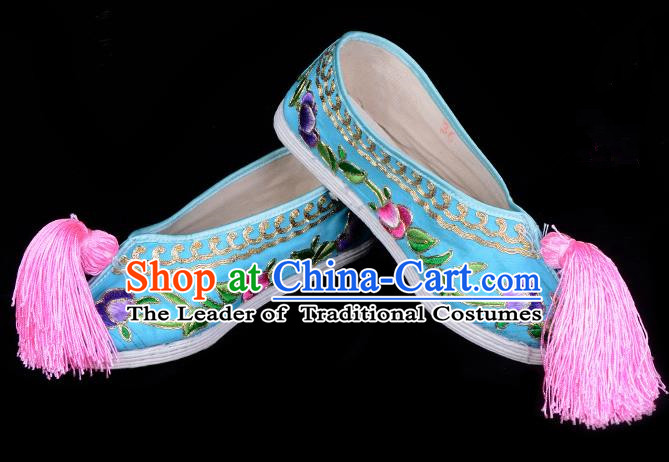 Top Grade Professional Beijing Opera Hua Tan Embroidered Light Blue Cloth Shoes, Traditional Ancient Chinese Peking Opera Diva Princess Blood Stained Shoes