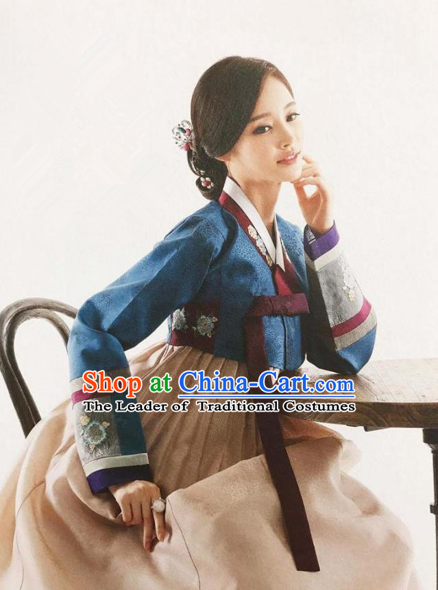 Traditional Korean Handmade Embroidery Mother Hanbok, Top Grade Korea Hanbok Wedding Blue Costume for Women