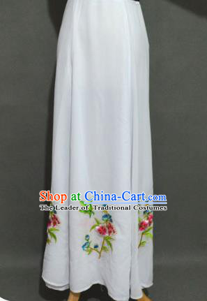 Traditional Chinese Professional Peking Opera Young Women Costume White Half Dress, China Beijing Opera Diva Hua Tan Embroidered Bust Skirt Clothing