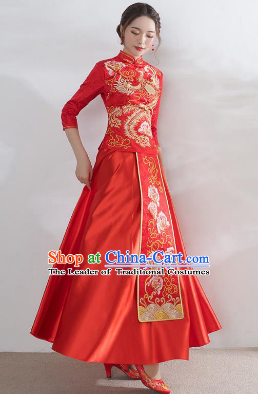 Traditional Ancient Chinese Wedding Costume Handmade Embroidery Peony Satin Xiuhe Suits, Chinese Style Wedding Dress Red Embroidery Dragon and Phoenix Flown Bride Toast Cheongsam for Women