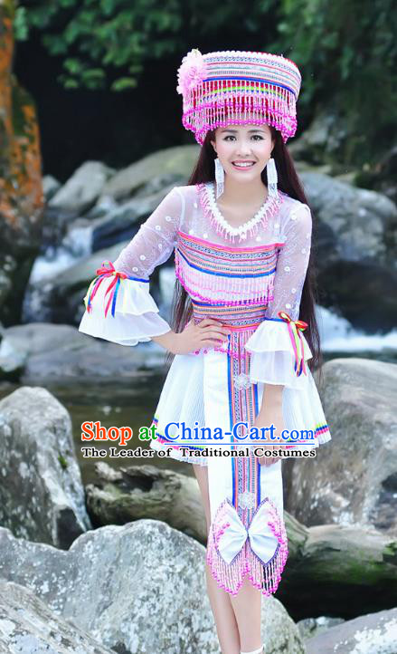 Traditional Chinese Miao Nationality Wedding Bride Costume White Short Skirt, Hmong Folk Dance Ethnic Chinese Minority Nationality Embroidery Clothing for Women