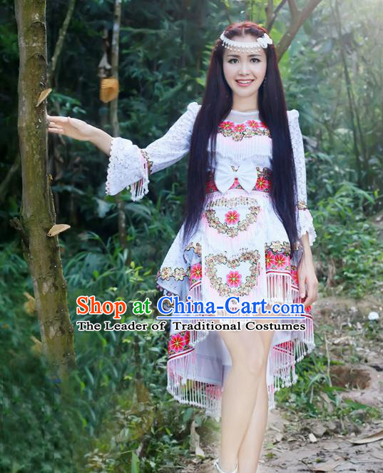Traditional Chinese Miao Nationality Wedding Bride Costume White Short Skirt and Tassel Hat, Hmong Folk Dance Ethnic Chinese Minority Nationality Embroidery Clothing for Women