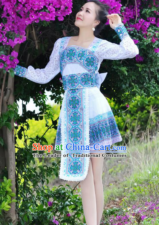 Traditional Chinese Miao Nationality Wedding Bride Costume Blue Pleated Skirt, Hmong Folk Dance Ethnic Chinese Minority Nationality Embroidery Clothing for Women