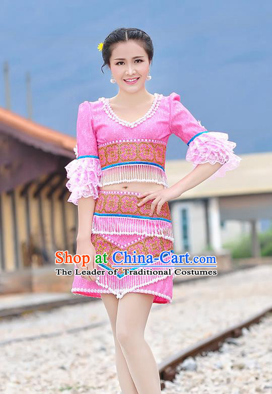 Traditional Chinese Miao Nationality Wedding Bride Costume Pink Short Pleated Skirt, Hmong Folk Dance Ethnic Chinese Minority Nationality Embroidery Clothing for Women