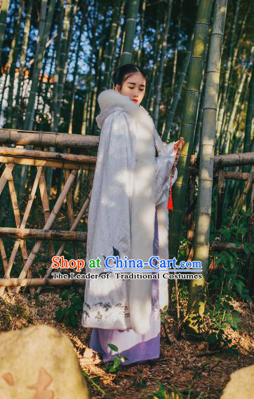 Traditional Chinese Hanfu Han Dynasty Costume Princess Cloak, Elegant Hanfu Clothing Chinese Ancient Palace Lady White Embroidery Mantle