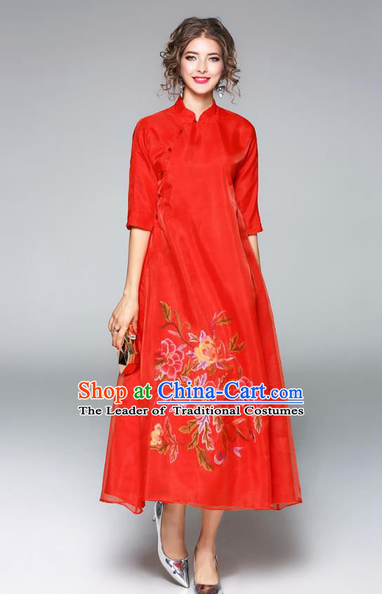Asian Chinese Oriental Costumes Red Cheongsam, Traditional China National Embroidery Chirpaur Dress for Women
