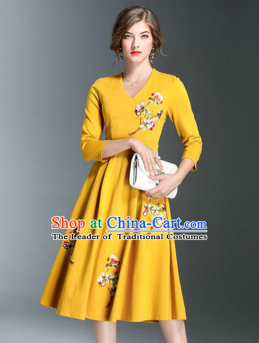 Asian Chinese Oriental Costumes Classical Embroidery Dress, Traditional China National Chirpaur Tang Suit Dresses for Women