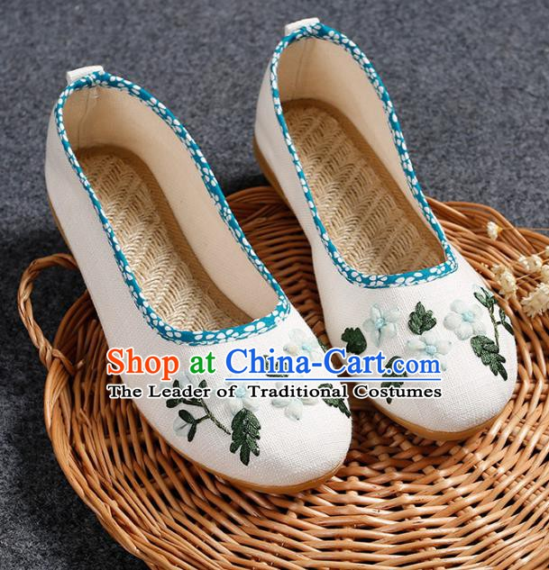 Asian Chinese National White Embroidered Shoes, Traditional China Princess Shoes Hanfu Embroidery Shoes for Women