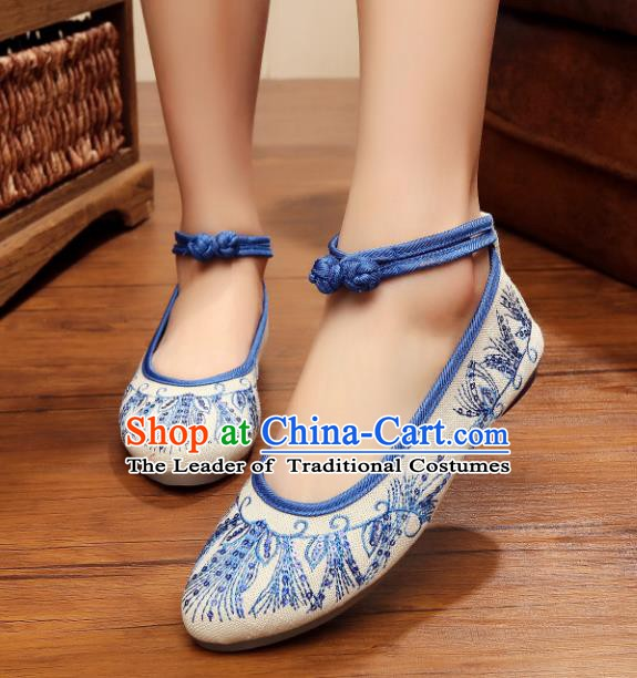 Traditional Chinese National Hanfu Blue Embroidered Shoes, China Princess Embroidery Shoes for Women