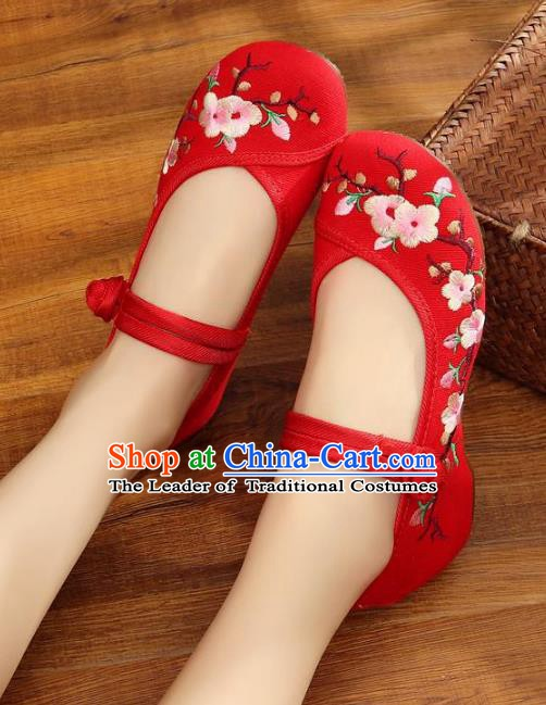 Traditional Chinese National Hanfu Red Embroidered Shoes, China Princess Embroidery Wintersweet Shoes for Women
