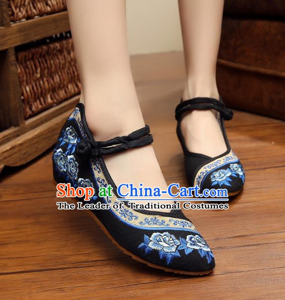 Traditional Chinese National Black Hanfu Linen Embroidered Shoes, China Princess Shoes Embroidery Flowers Shoes for Women
