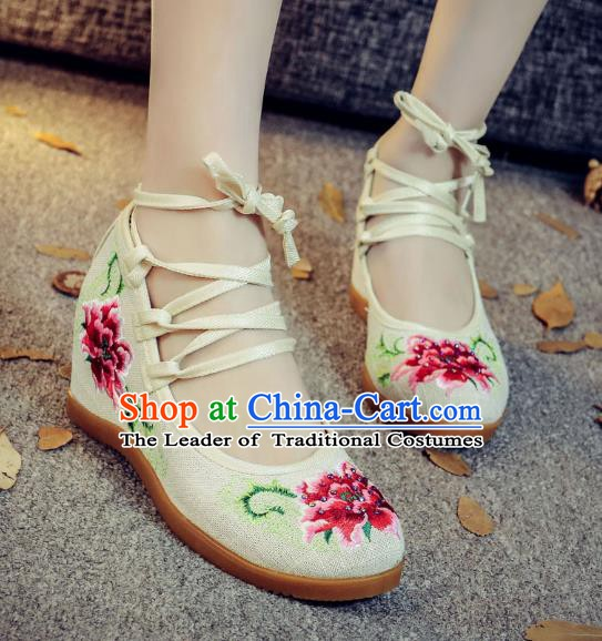 Traditional Chinese National Hanfu White Wedge Heel Embroidered Shoes, China Princess Embroidery Peony Shoes for Women
