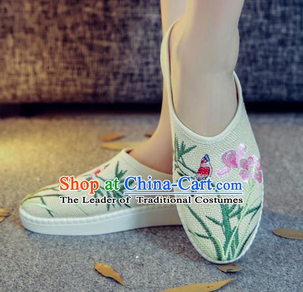 Traditional Chinese National Hanfu White Embroidered Slippers, China Princess Embroidery Shoes for Women
