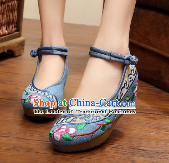 Traditional Chinese National Hanfu Embroidery Flowers Blue Shoes, China Princess Embroidered Shoes for Women
