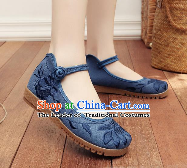 Traditional Chinese National Hanfu Embroidery Lotus Blue Shoes, China Embroidered Shoes for Women
