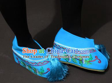 Traditional China Beijing Opera Actress Embroidery Blue Shoes, Chinese Peking Opera Young Lady Blood Stained Shoes