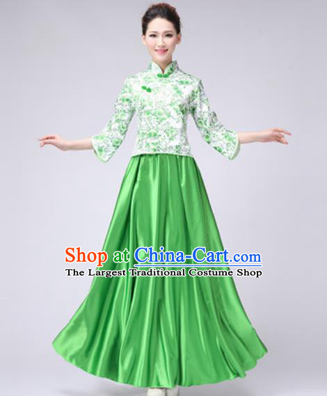 Chinese Classical Dance Fan Dance Costume Traditional Folk Dance Chorus Green Dress for Women