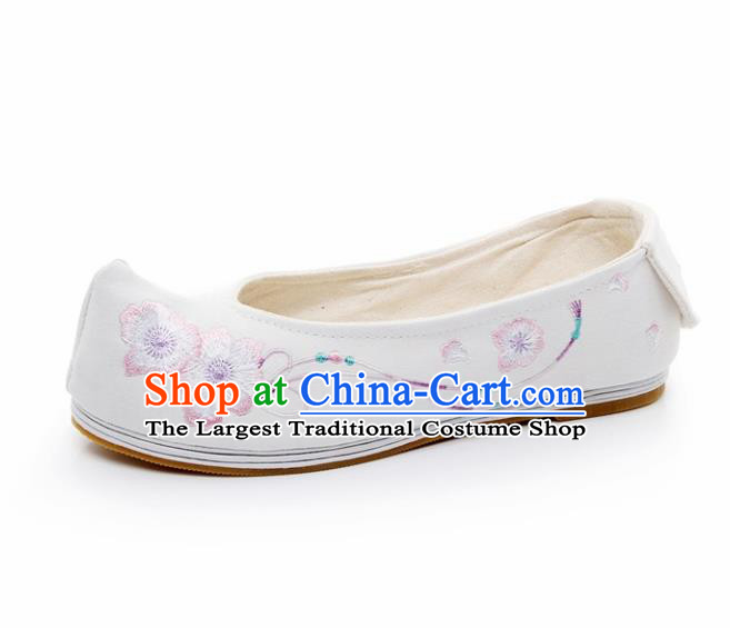 Chinese Ancient Traditional Embroidered Shoes Hanfu Embroidery Peach Flower White Cloth Shoes for Women
