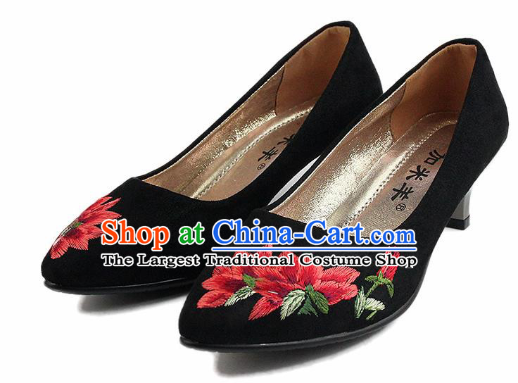 Chinese National Handmade Shoes Traditional Cloth Shoes Embroidered High-heeled Shoes for Women