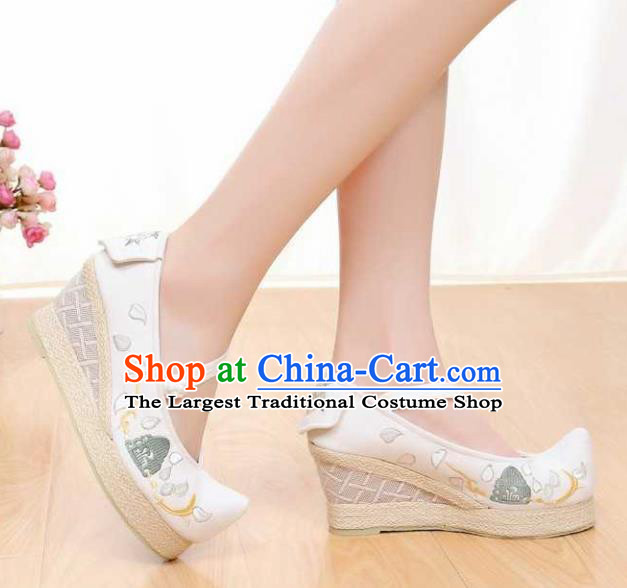 Chinese Traditional Classical Shoes Ancient Hanfu Shoes White Embroidered Shoes for Women