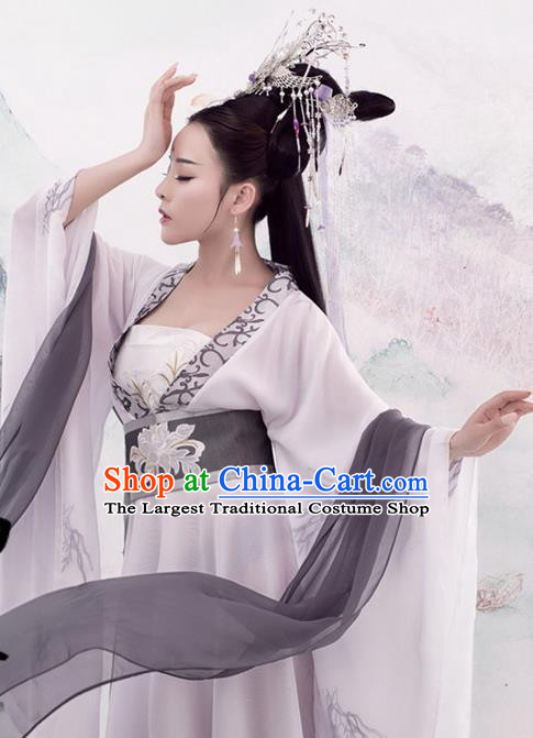 Traditional Chinese Tang Dynasty Imperial Consort Costumes Ancient Swordswoman White Dress and Headpiece for Women