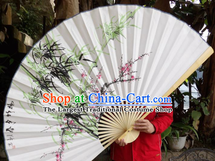Chinese Traditional Paper Fans Decoration Crafts Hand Ink Painting Plum Blossom Bamboo Wood Frame Folding Fans
